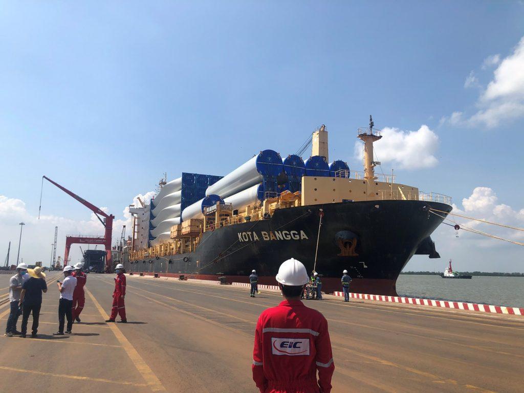 Chào đón chuyến tàu chở thiết bị đầu tiên về cảng Quốc tế Long An